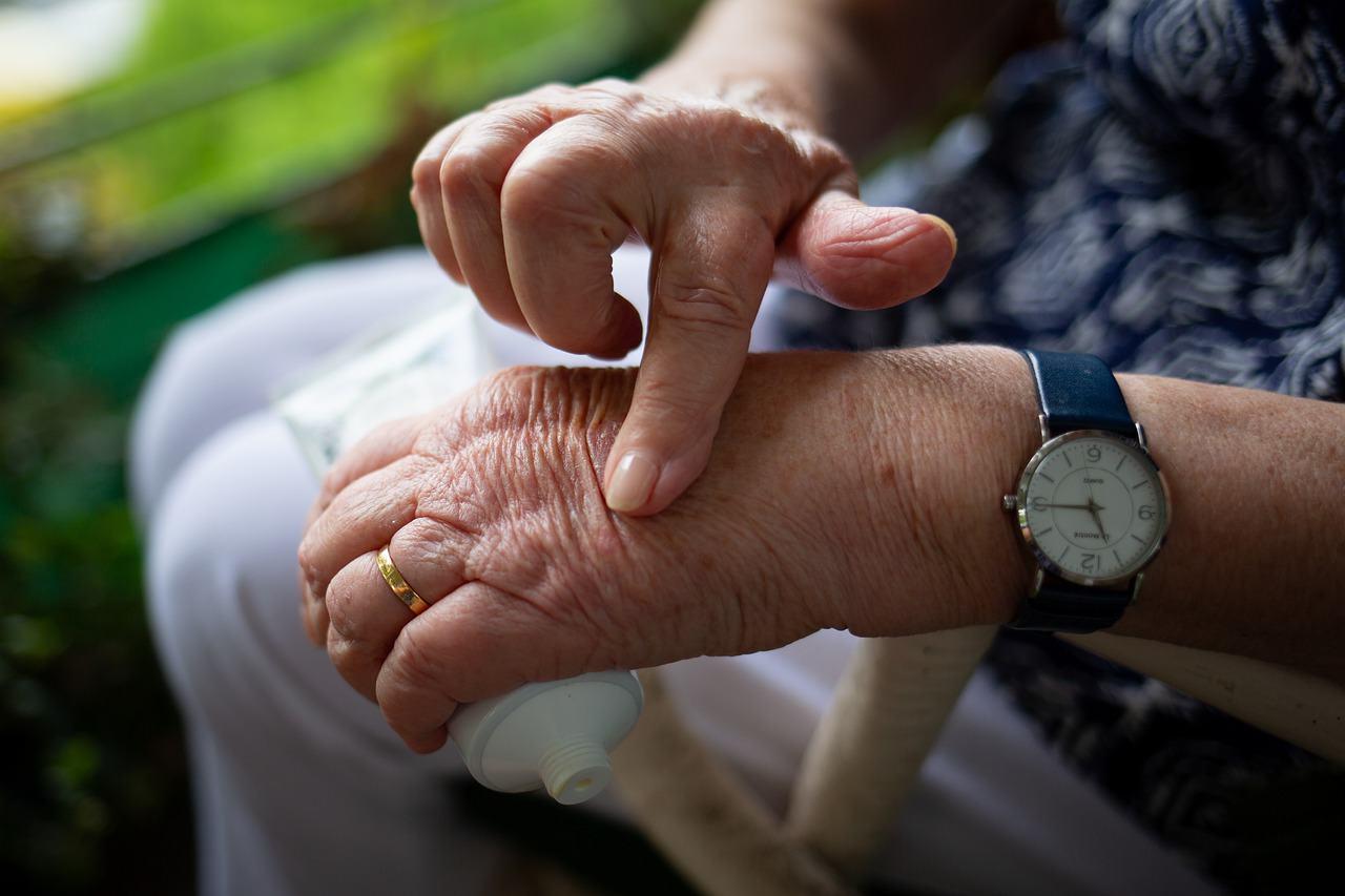 How Does CBD Help With Arthritis